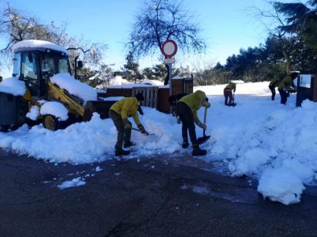 44 efectivos de la BRIF y ocho miembros de GEACAM llegan a Tarancón para ayudar en la retirada de la nieve