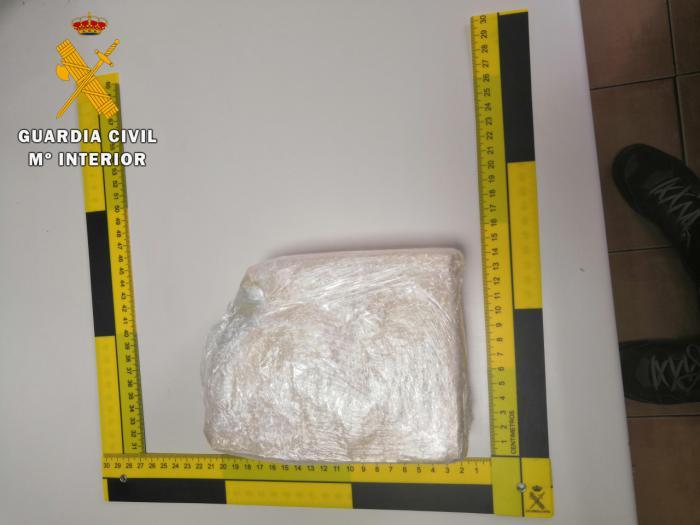 La Guardia Civil ha detenido a un hombre con 800 gramos de cocaína en Ugena
