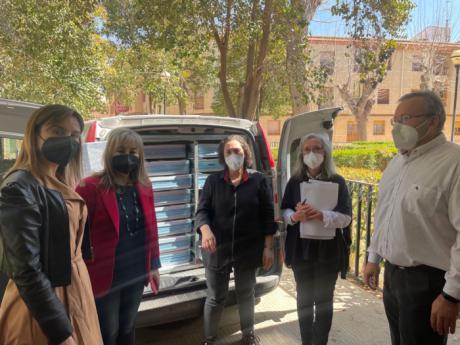 Junta y Ayuntamiento de Quintanar del Rey ponen en marcha un servicio de comidas a domicilio para personas mayores