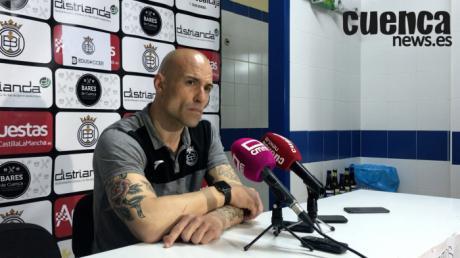 En imagen Cesar Lainez, entrenador de la Unión Balompédica Conquense