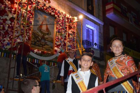 Tarancón rinde homenaje a su patrona en una multitudinaria ofrenda
