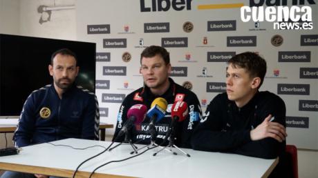 Patrick Westerholm y Johan Meklenborg, entrenador y jugador del TTH Holstebro