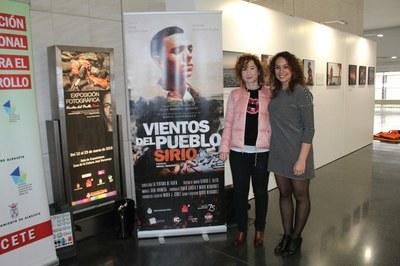 """Mª Ángeles Martínez inaugura la exposición """"Vientos del Pueblo Sirio"""" organizada por el Ayuntamiento de Albacete en la Universidad Popular"""
