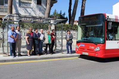 Serrano anuncia que ya se han instalado 8 de las 15 nuevas marquesinas de autobuses con las que contará Albacete en las próximas semanas