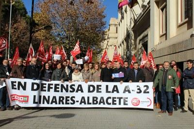 Manuel Serrano durante su participación en la concentración en defensa de la Autovía Albacete-Linares