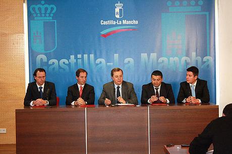 La Junta firma el contrato para la construcción del subtramo entre Albacete y Madrigueras de la autovía del Júcar