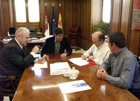 Convenio de colaboración entre Diputación y UPTA  para apoyar a los trabajadores autónomos