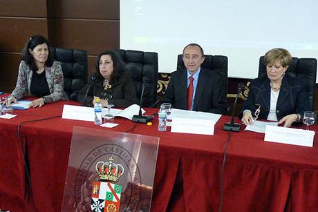 Lamata destaca el papel protagonista que la enfermería ocupará en la estrategia de salud y bienestar social 2011-2020
