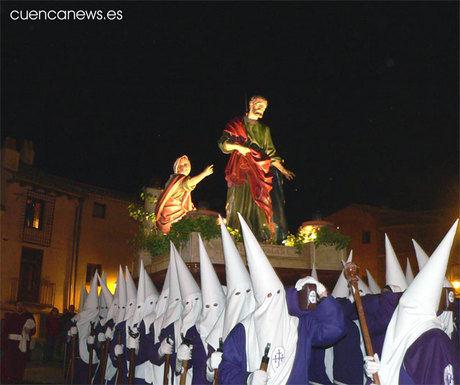 El alcalde participa en la procesión del Silencio como bancero de la Negación de San Pedro