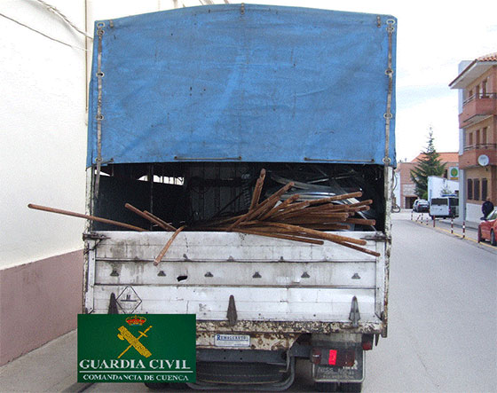 La Guardia Civil  detiene a tres individuos  como autores  de un hurto en Montalbo