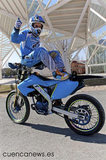 Félix Calvo:  ''Desde muy pequeño ya hacía caballitos con la moto''