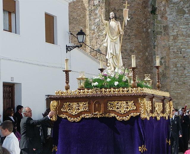 El Encuentro entre Jesús Resucitado y la Virgen de la Aurora cierran la Semana Santa