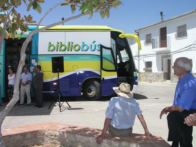 Las bibliotecas móviles de la provincia se suman a la celebración del Día del Libro