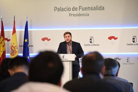 La Junta acusa a Podemos de mentir, engañar y traicionar a los ciudadanos
