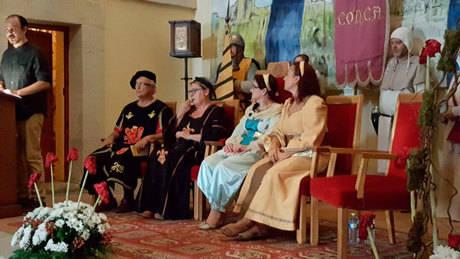 Angélica Gómez fue nombrada cañetera de honor durante la presentación de La Alvarada