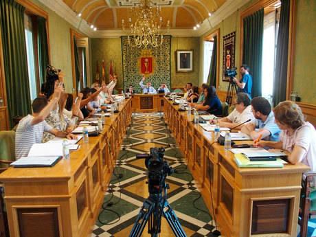 El pleno del Ayuntamiento aprueba presentar la candidatura de Cuenca como capital gastronómica 2018