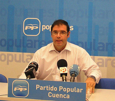 """Prieto califica a Cospedal como """"la locomotora de la recuperación económica"""" de Castilla-La Mancha, frente a un Barreda """"sinónimo de paro, deuda y déficit"""""""