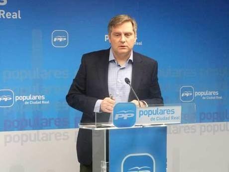 """Cañizares insta a Page y Guijarro """"a expulsar inmediatamente a la ex alcaldesa de Las Pedroñeras del PSOE"""""""