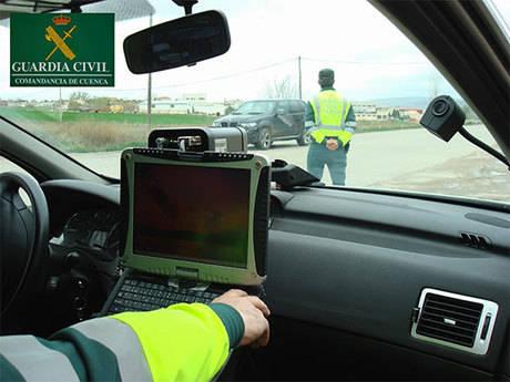 La Guardia Civil detiene a una persona por conducir superando las tasas de alcoholemia permitida