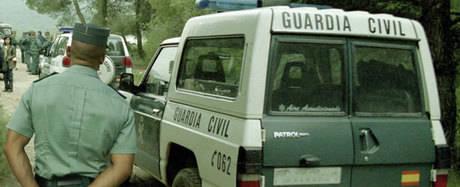 La Guardia Civil  detiene a cinco personas como presuntos autores de varios hechos delictivos