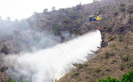 La dirección del incendio de Yeste solicita el desalojo de más poblaciones