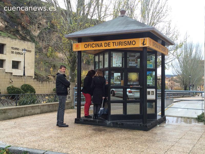 Las oficinas de turismo de cuenca atienden en el primer for Oficina de turismo cuenca