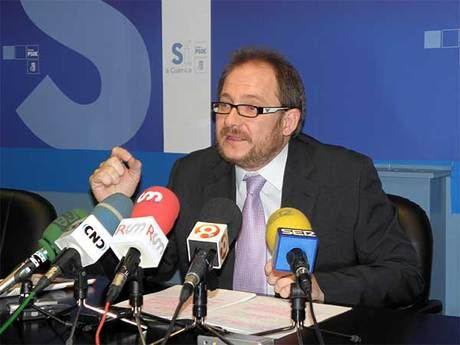 """Pérez Tornero: """"El convenio del Ayuntamiento con RENFE no podía firmarse en enero porque no estaba preparado"""""""