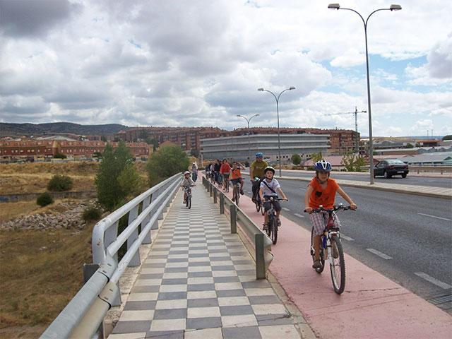 Para Cuenca en Bici la capital pierde su primer km de carril bici, antes de finalizarlo