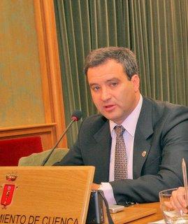 El alcalde de Cuenca transmite su pesar al embajador japonés en España por la tragedia que ha sufrido su país