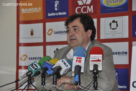 Isidoro presenta la nueva Junta Directiva del Ciudad Encantada.