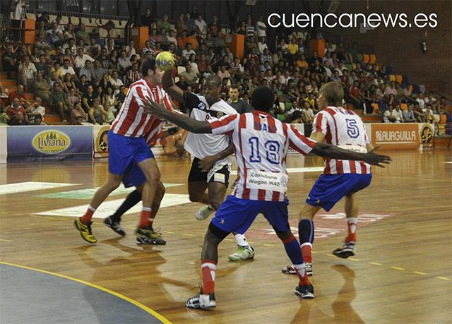 El Ciudad Encantada pone en apuros al Atlético de Madrid que se lleva el Trofeo San Julián (33-36)