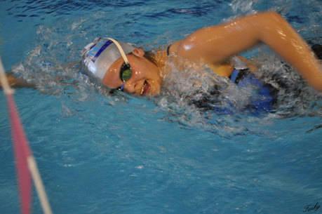 Gran actuación de las nadadoras del Club Natación Cuenca