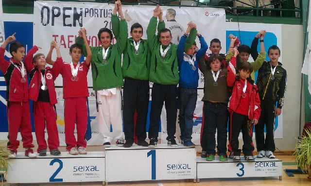 Deportistas de Las Mesas brillan en el Open de Taekwondo disputado en Portugal