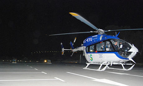 Los helicópteros sanitarios de la Junta han superado las mil horas de vuelo en horario nocturno