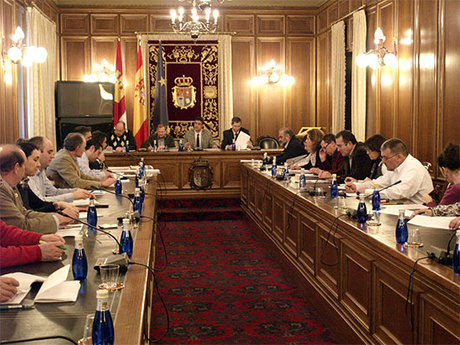 El pleno de la Diputación  aprueba inversiones por importe de 16 millones de euros