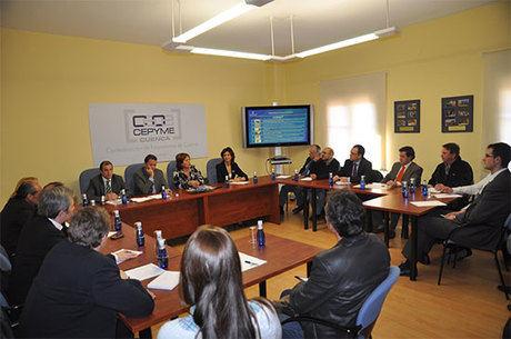 Fernández presentó Acción Joven a los empresarios de Cuenca
