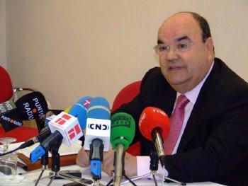Agustín Tello presenta su dimisión como presidente de la Cámara de Comercio de Cuenca
