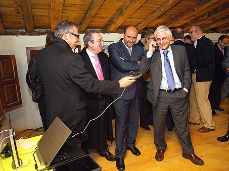 El presidente de Alvarion, Eran Gorev, destaca la iniciativa de la Junta por la extensión de banda ancha en zonas rurales