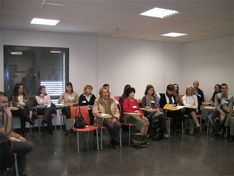 La Escuela de Salud de castilla-la mancha ha organizado un taller para personas cuidadoras en Campillo de Altobuey