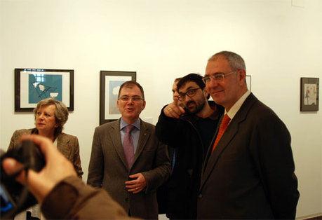 Martínez Ataz inaugura las exposiciones del II Certamen de Ilustración y Fotorrelato Erasmus
