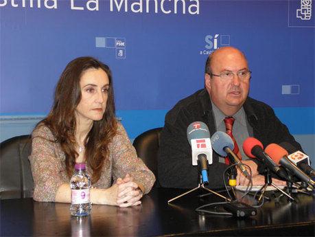 Molina: De Cospedal no puede seguir en la escalada de la mentira para intentar tapar los escándalos de su partido