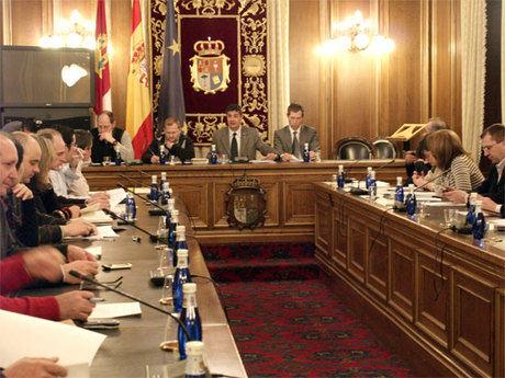 """El pleno de la Diputación da """"luz verde"""" a los planes provinciales con una inversión de ronda los 8,5 millones de euros"""