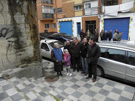 Ávila visita el Pozo de las Nieves para conocer las demandas de los vecinos