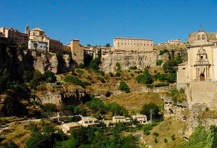 Expertos internacionales analizan diversas estrategias para integrar la arquitectura y el paisaje de Cuenca