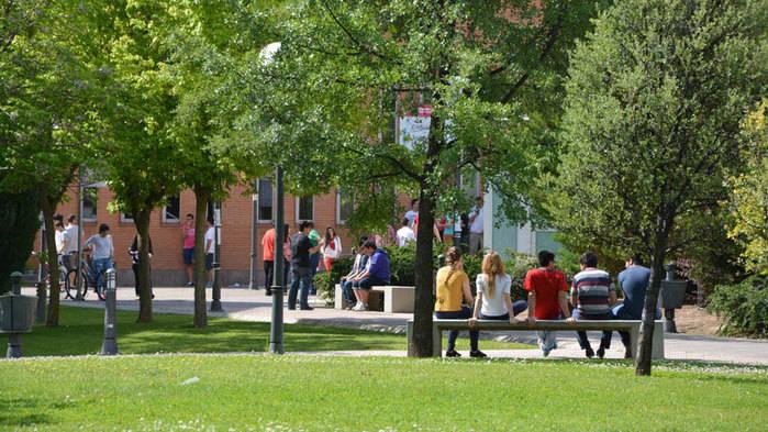 Convocadas las becas de excelencia para alumnos de másteres oficiales en la UCLM