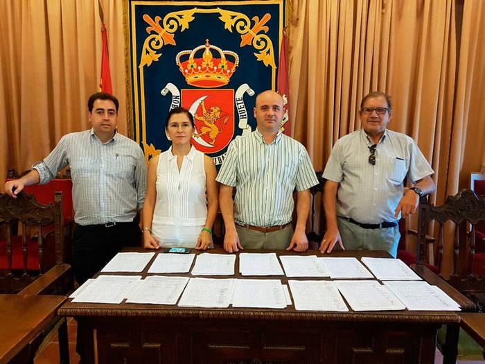 Huete presenta casi 3.000 firmas a la Consejería de Sanidad para pedir una nueva helisuperficie