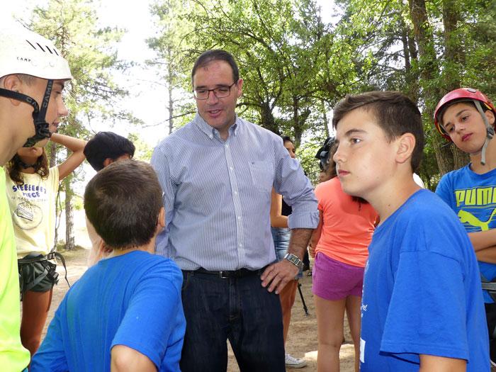 Prieto cree que los Campamentos de Verano de Diputación contribuyen a concienciar del potencial natural de la provincia