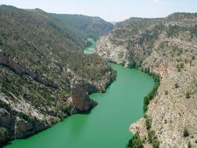Castilla-La Mancha muestra su oposición a la construcción de un acueducto para trasvasar agua del río Júcar al Segura