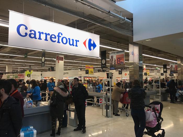 Carrefour y sus colaboradores, al servicio la Asociación Sociocultural Grupo 5 en su 'Día de la Buena Gente' en Cuenca