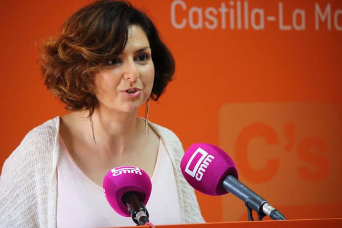 """Orlena De Miguel: """"En Cs tenemos claro que hemos venido a ser la solución, a ser útiles, y no a buscar sillones"""""""